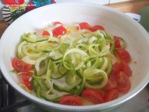 spaghetti di zucchine gamberi